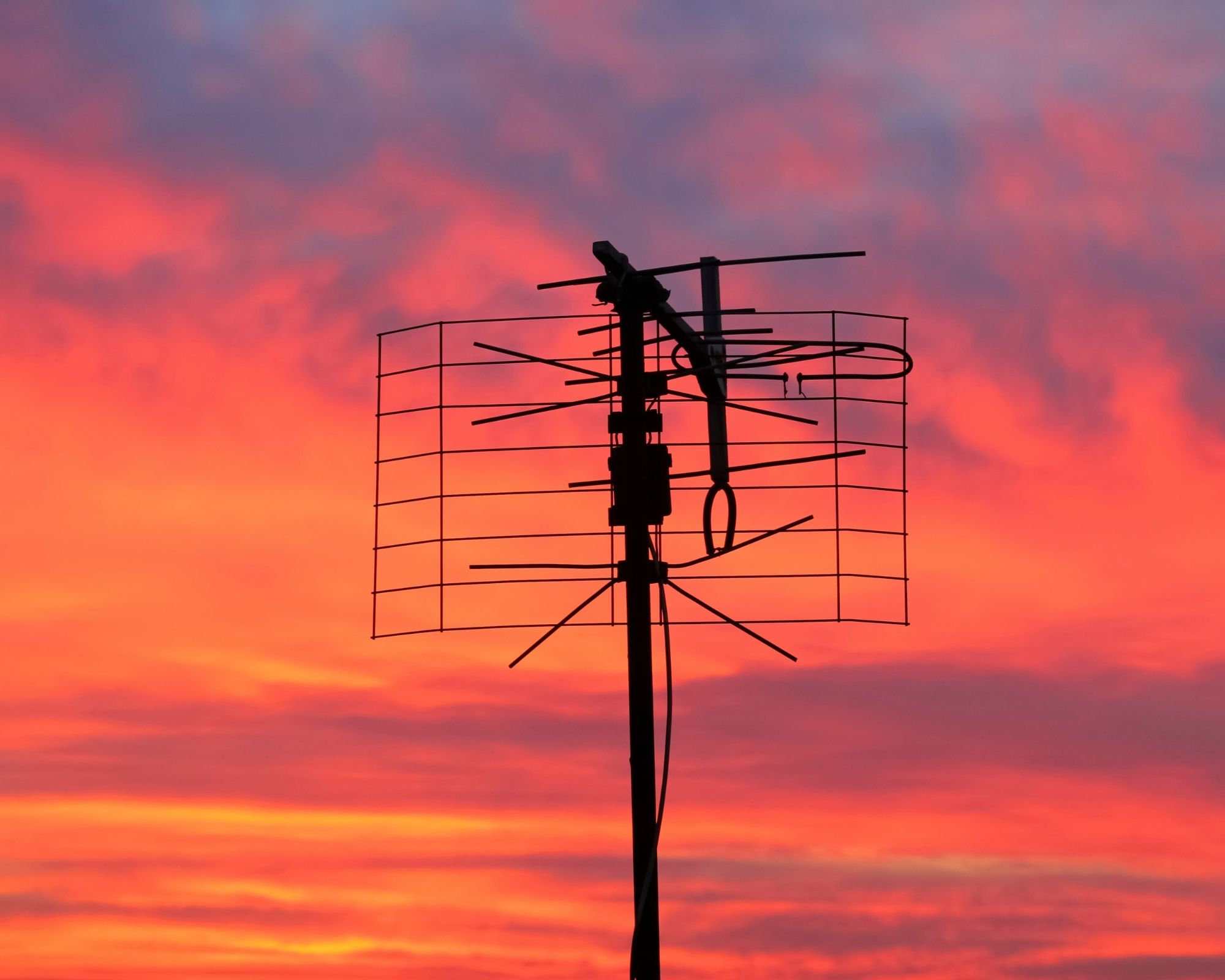 best outdoor tv aerial for freeview UK sunset