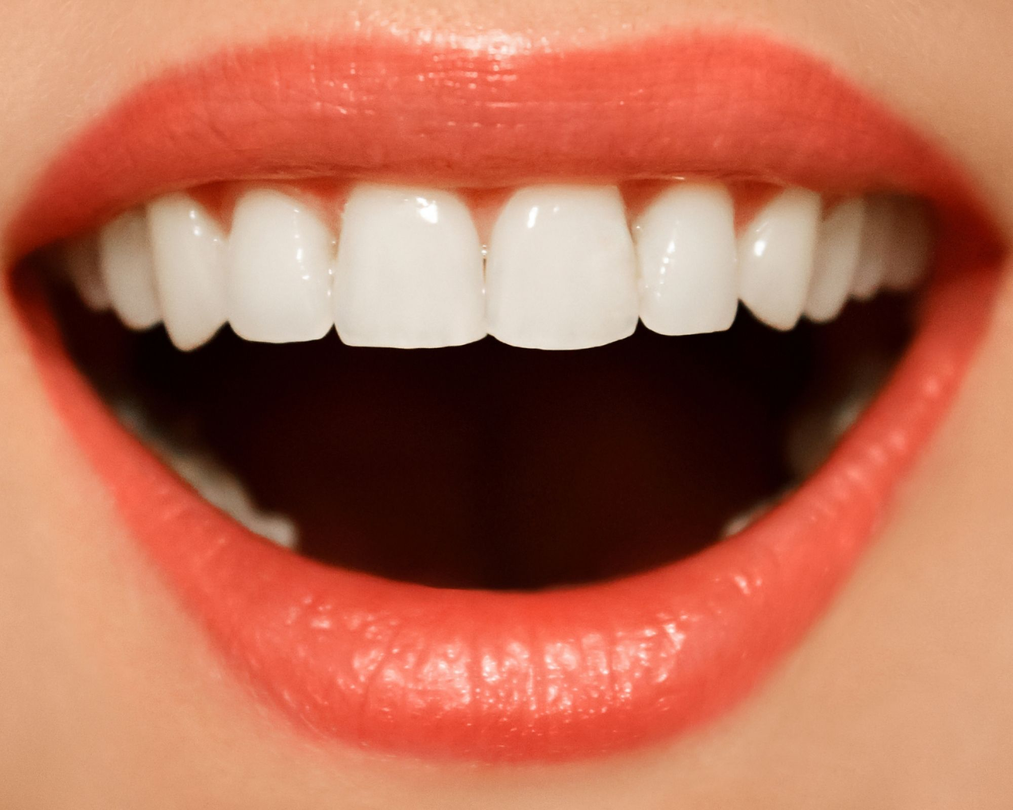great smile from using flossing tools