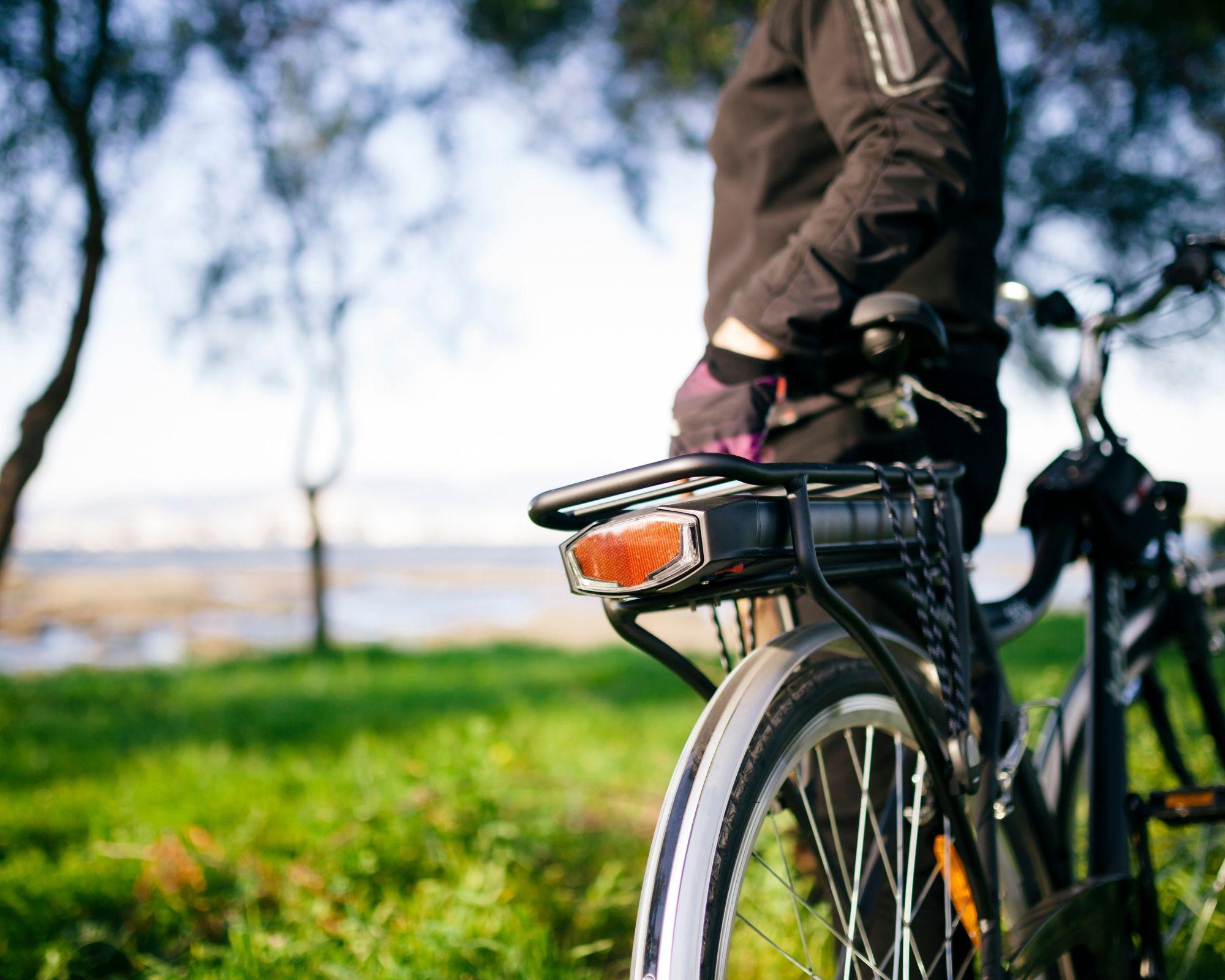 man by best electric bikes under £500