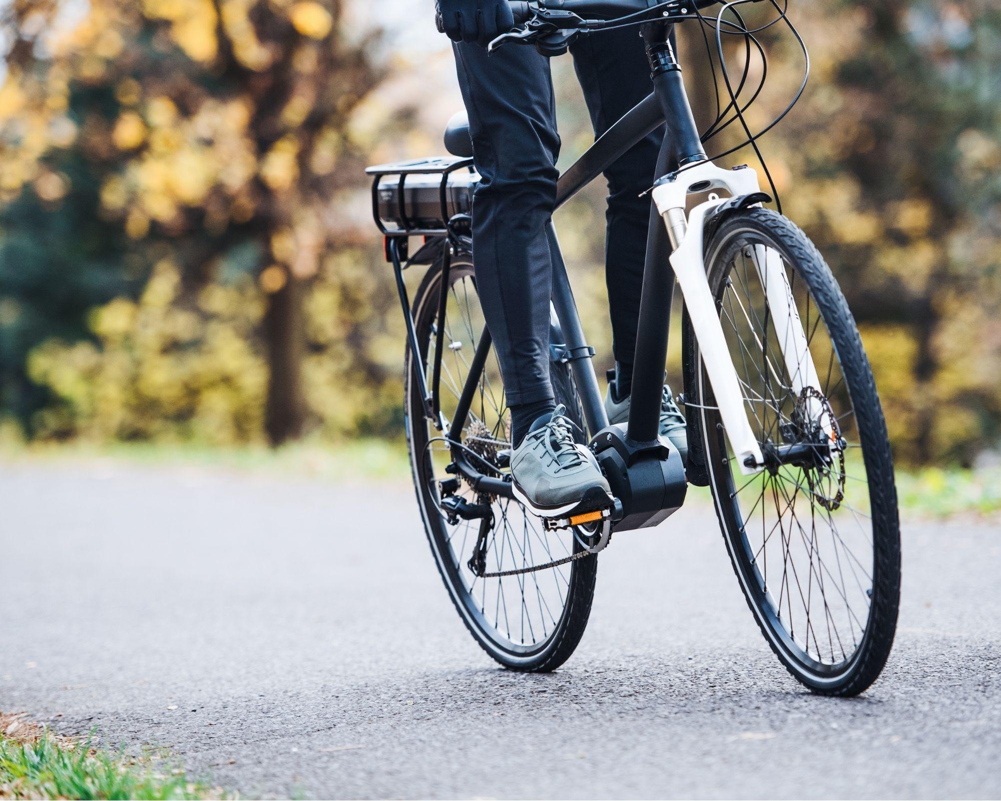 man on best electric bikes under £500