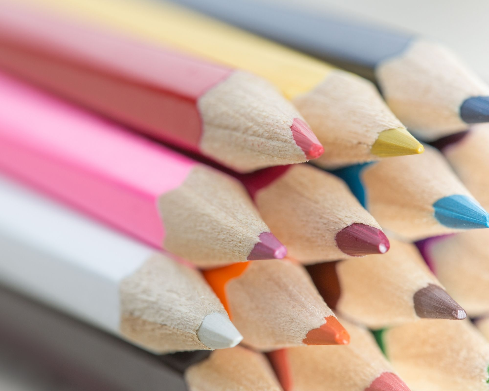 pile of best colouring pencils